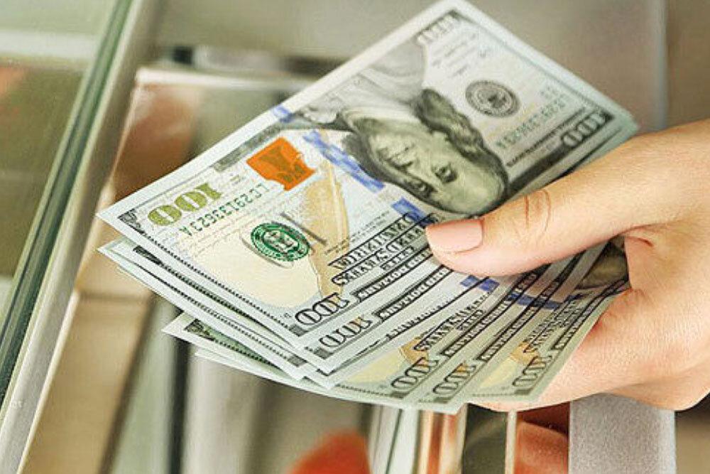 تداوم فراز و نشیب قیمت ارز و سکه در بازار/ دلار در آستانه ورود به کانال ۲۱ هزار تومان