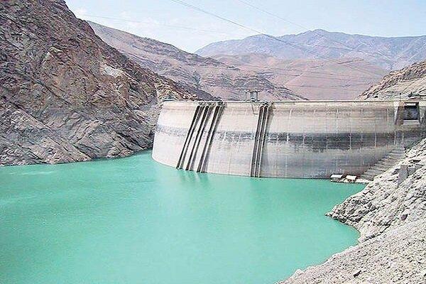 تبخیر سالانه ۲ هزار و ۲۰۰ میلی متر از آب های ذخیره شده در پشت سدهای همدان