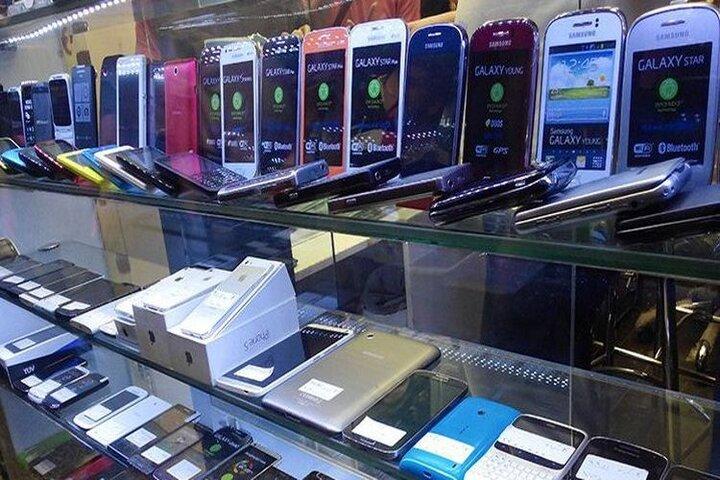نبود واردات، علت افزایش قیمت تلفن همراه