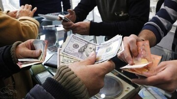 دلار آزاد و صرافی ها هر دو در کانال ۲۳ هزار/ ندری: تورم بالا ارز را گران کرد