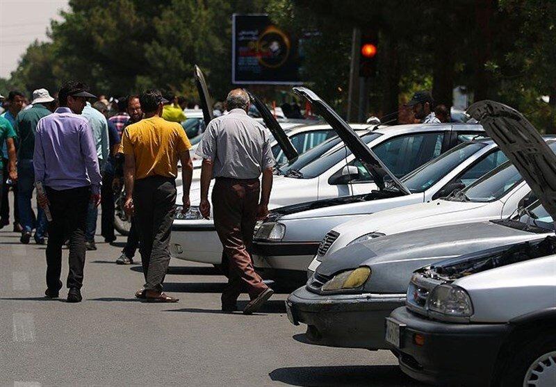 بازار خودرو خالی از فروشنده شد/ خودروهای خارجی ۵۰ تا ۱۰۰ میلیون تومان گران شدند
