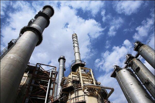 ۶۰ درصد فرآوردههای نفتی کشور در هرمزگان تولید میشود