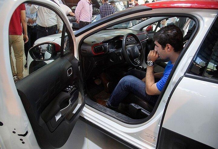 شتاب قیمت خودرو با سوختی بهنام ارز/ کاهشی در کار نیست