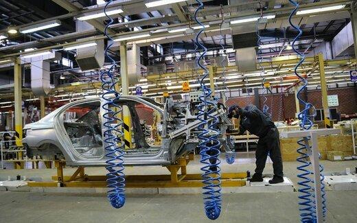 قیمت گذاری خودرو در حاشیه بازار تیراژ تولید را پایین می آورد