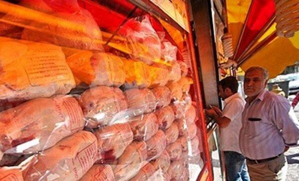 عرضه مرغ در اراک گرانتر از همیشه؛ فاکتورهای صوری راه دور زدن مدیریت بازار