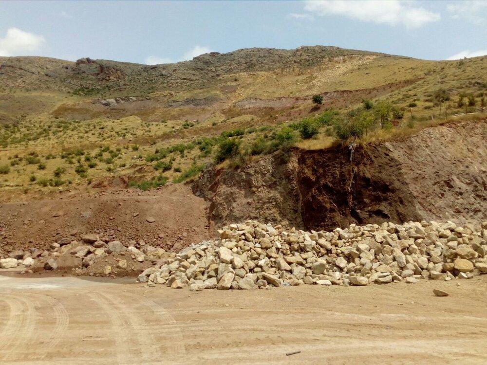 اشتغال ۲۵۰ نفر در معدن منگنز رباط کریم/۲۵۰ هزار دلار ارز ذخیره می شود