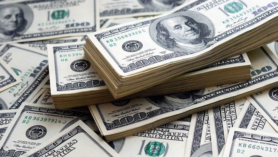 دلار باید به قیمت ۱۰ هزار تومان برسد