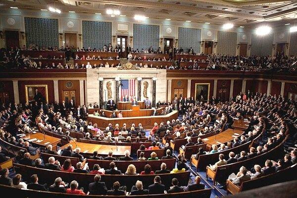 کنگره، دولت ترامپ را به کاهلی مقابل کرونا متهم می کند