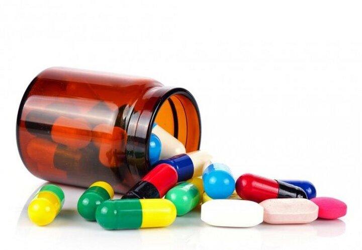 ۱۰ درصد داروهای خارجی به صورت قاچاق و غیرقانونی وارد کشور می شود/ وجود مافیا در صنعت دارو