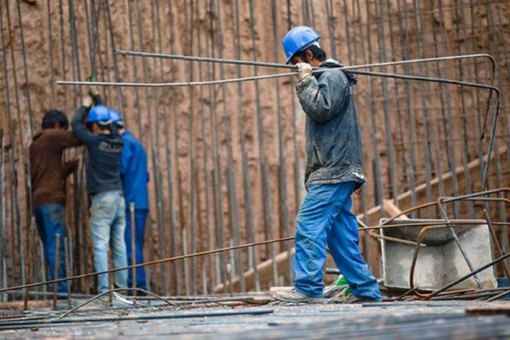 کارگران بهدنبال مرهمی برای زخمهای زندگی/ دستمزدهایی که کفاف زندگی را نمیدهد