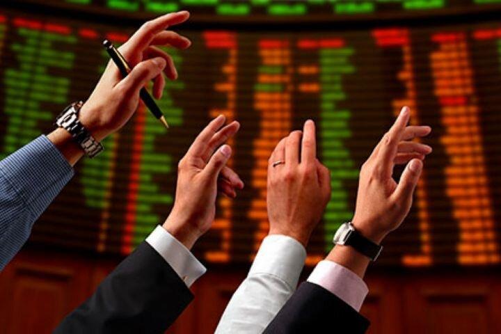 روند ریزش بورس موقتی است/ شاخص منفی، عایدی دولت از بازار سرمایه را میکاهد