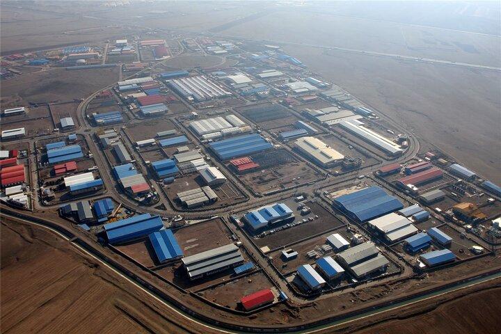 ورود ستاد اجرایی فرمان امام برای تامین سرمایه ۲۲ شرکت تولیدی در مازندران