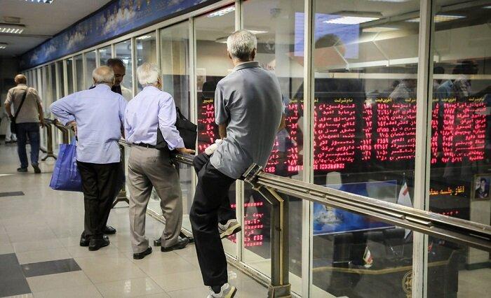 استراتژی غلط مخالفان بورس و اوج گیری دوباره بازار ارز و خودرو/ ۲۵ اقتصاددان کجا هستند؟