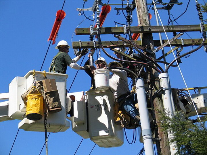 استفاده نادرست از وسایل سرمایشی، مهمترین دلیل افزایش مصرف برق