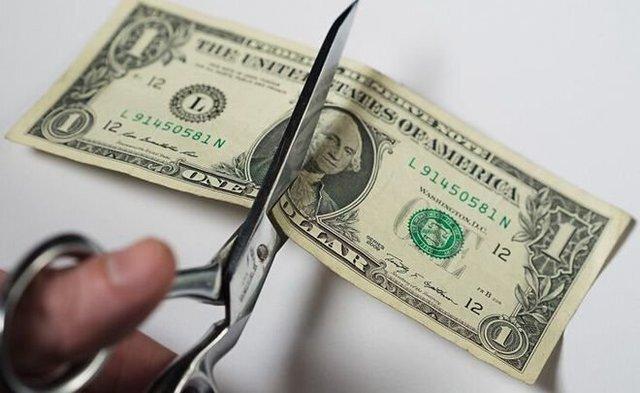 کاهش ۵۰ درصدی تجارت روسیه و چین از طریق دلار