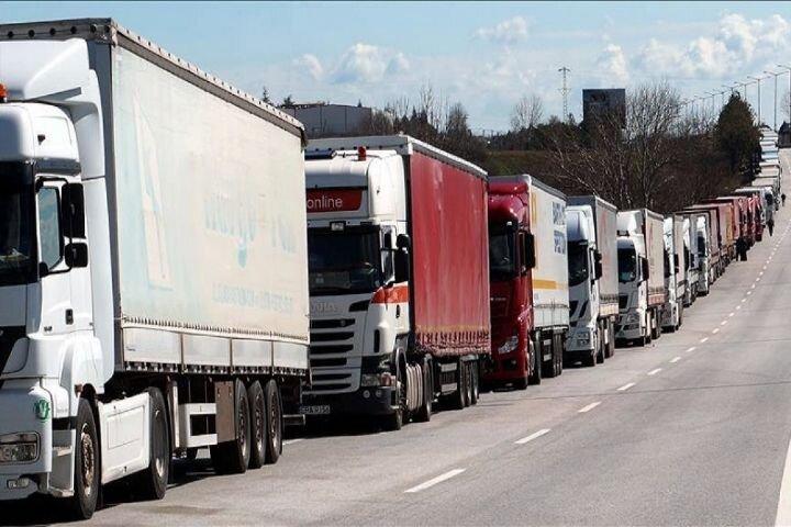 تردد کامیون از پایانههای مرزی آذربایجانشرقی ۴۶درصد افزایش یافت