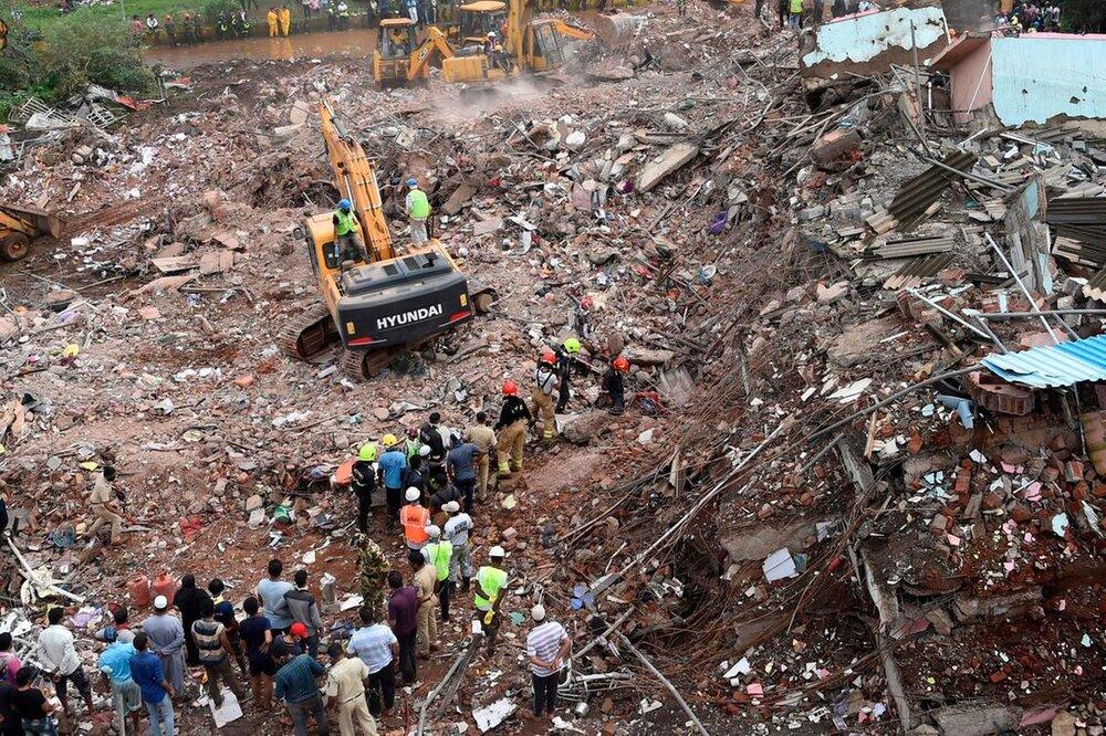 ریزش ساختمان 5 طبقه در غرب هند