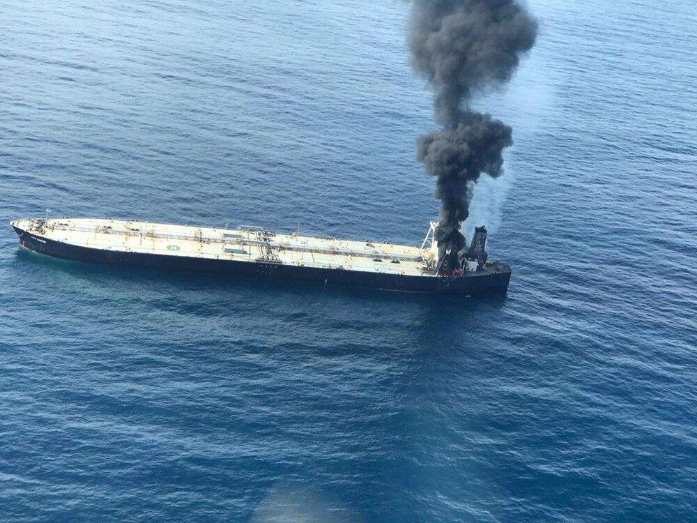 آتش گرفتن تانکر نفتی در آبهای سریلانکا