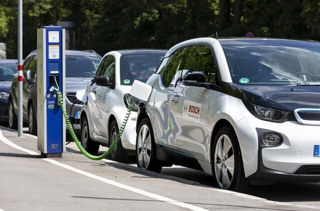 آزاد سازی واردات خودروهای برقی و هیبرید با شرط و شروط!