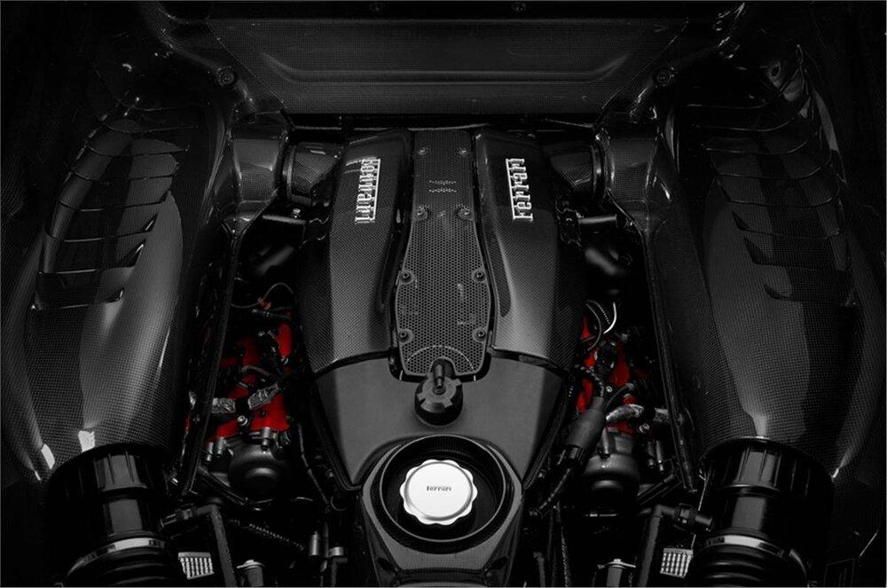 موتور ۸ سیلندر فراری بهترین پیشرانه در ۳سال پیدرپی