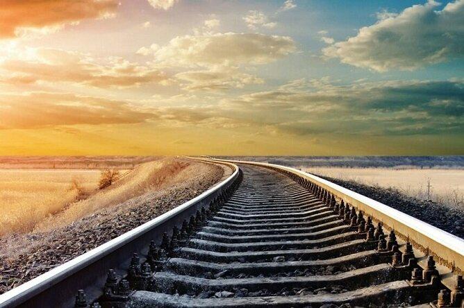 سرعت لاکپشتی اجرای راهآهن «بوشهر - شیراز»؛ قطاری که برای حرکت پول میخواهد