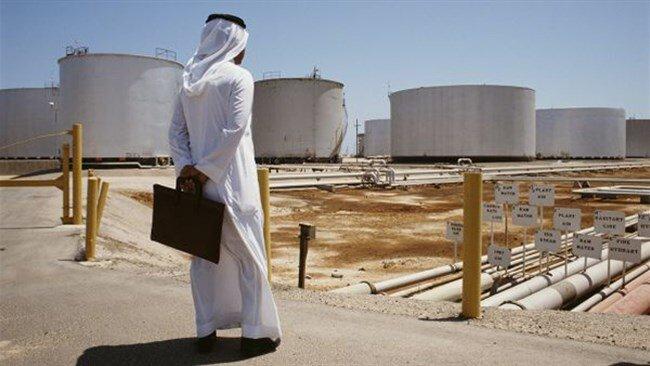نگاه مضطرب کشورهای حاشیه خلیج فارس به تحولات بازار نفت